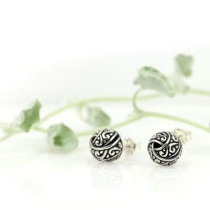 Silver earrings made in Bali by Indiri.