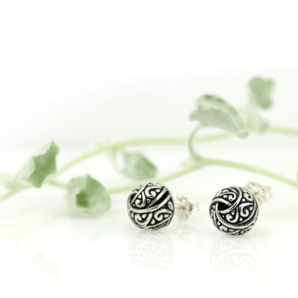 Silver earrings made in Bali by Indiri.