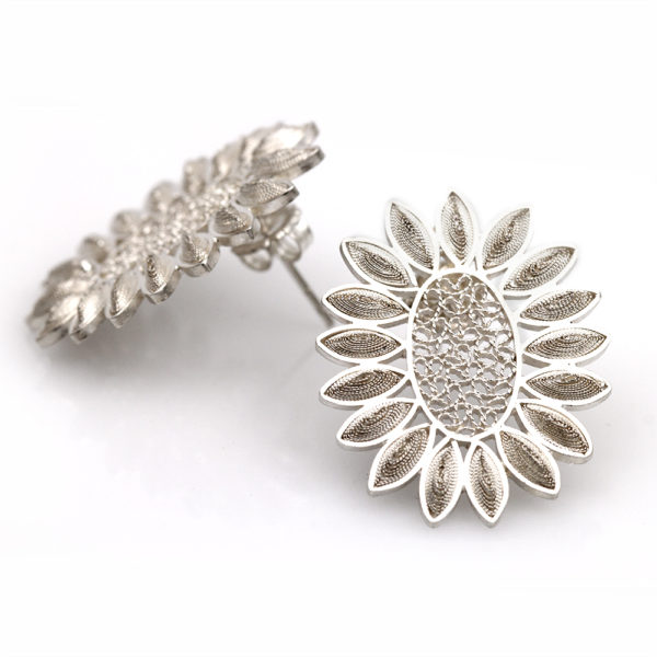 "Muxi Silver ""Oval Blossom"" Earrings"