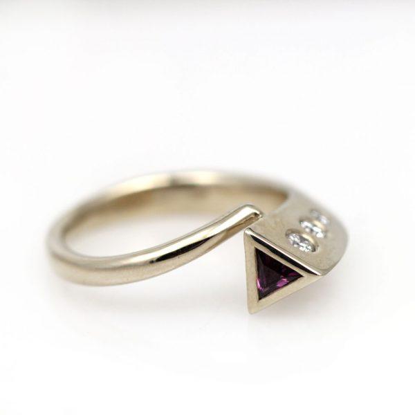 Arte*Vitta Purple Sapphire & Diamond Ring