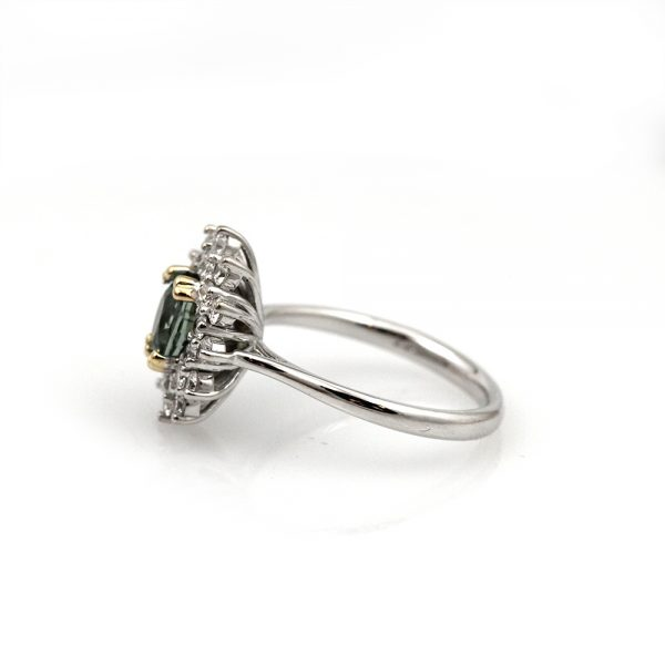 Arte*Vitta Two-tone Green Sapphire Diamond Halo Ring
